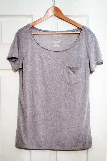 Safety pin and ripped t-shirt diy