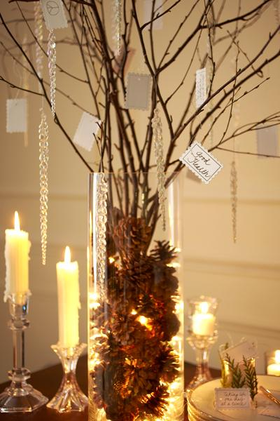 Chistmas DIY: Pine cones and branches center piece