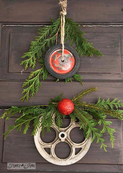 Christmas DIY: junk wheel Christmas wreaths