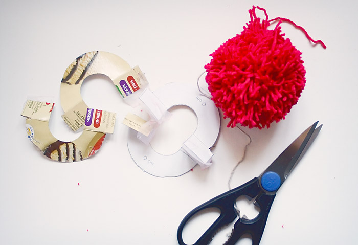 Changeable Pom Pom Beret DIY: Step By Step Instructions