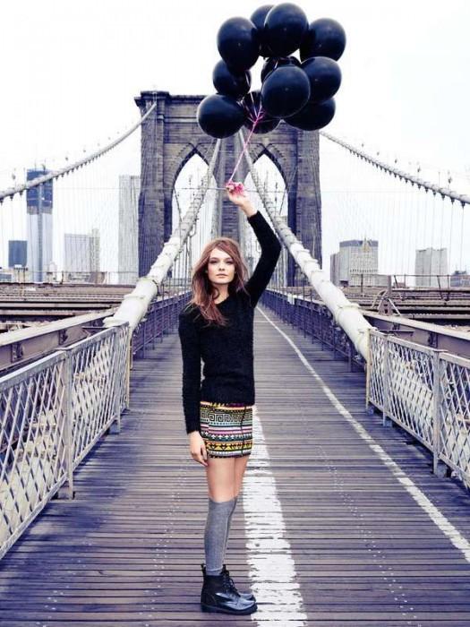 nyc-brooklyn-bridge-balloons
